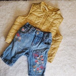 Old navy outfit for a girl vest and capri pants